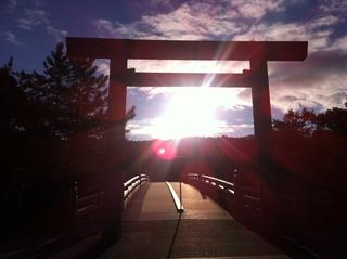 宇治橋の夜明け